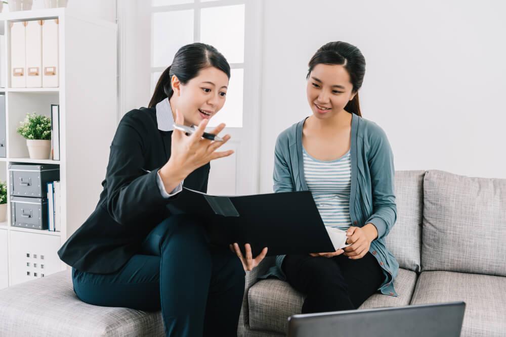 貸款專員解釋代書貸款流程